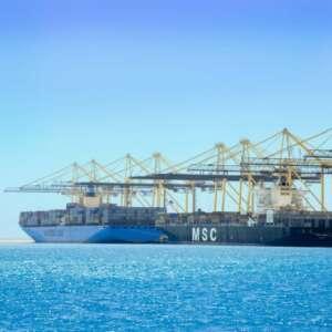 يرفع القدرة الاستيعابية إلى ٣  مليون حاوية سنوياً ويستقبل أكبر السفن المزمع تصنيعها خلال العقود القادمة