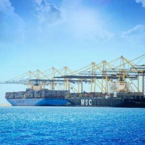 من ضمن الأسرع عالمياً… ميناء الملك عبدالله في قلب مسارين ملاحيين جديدين يربطان الشرق بالغرب