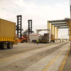 انطلاق اعمال الاستيراد و التصدير في ميناء الملك عبد الله