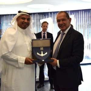 ميناء الملك عبدالله يستقبل سفير المملكة المتحدة ويبحث سبل التعاون مع الشركات البريطانية