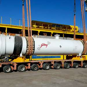 في إنجاز جديد يؤكد على إسهامه في تنفيذ كبرى مشاريع الشحن في المملكة ميناء الملك عبدالله يكمل مناولة 3,200 طن من معدات بترو رابغ