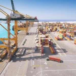 إرتفاع الطاقة الانتاجية السنوية في ميناء الملك عبدالله إلى 1,4 مليون حاوية قياسية بنهاية 2016 حميدالدين: الميناء يمضي بخطى واثقة لكي يصبح مركزاً رئيسياً على طرق الشحن الشرقية-الغربية بين أوروبا وآسيا