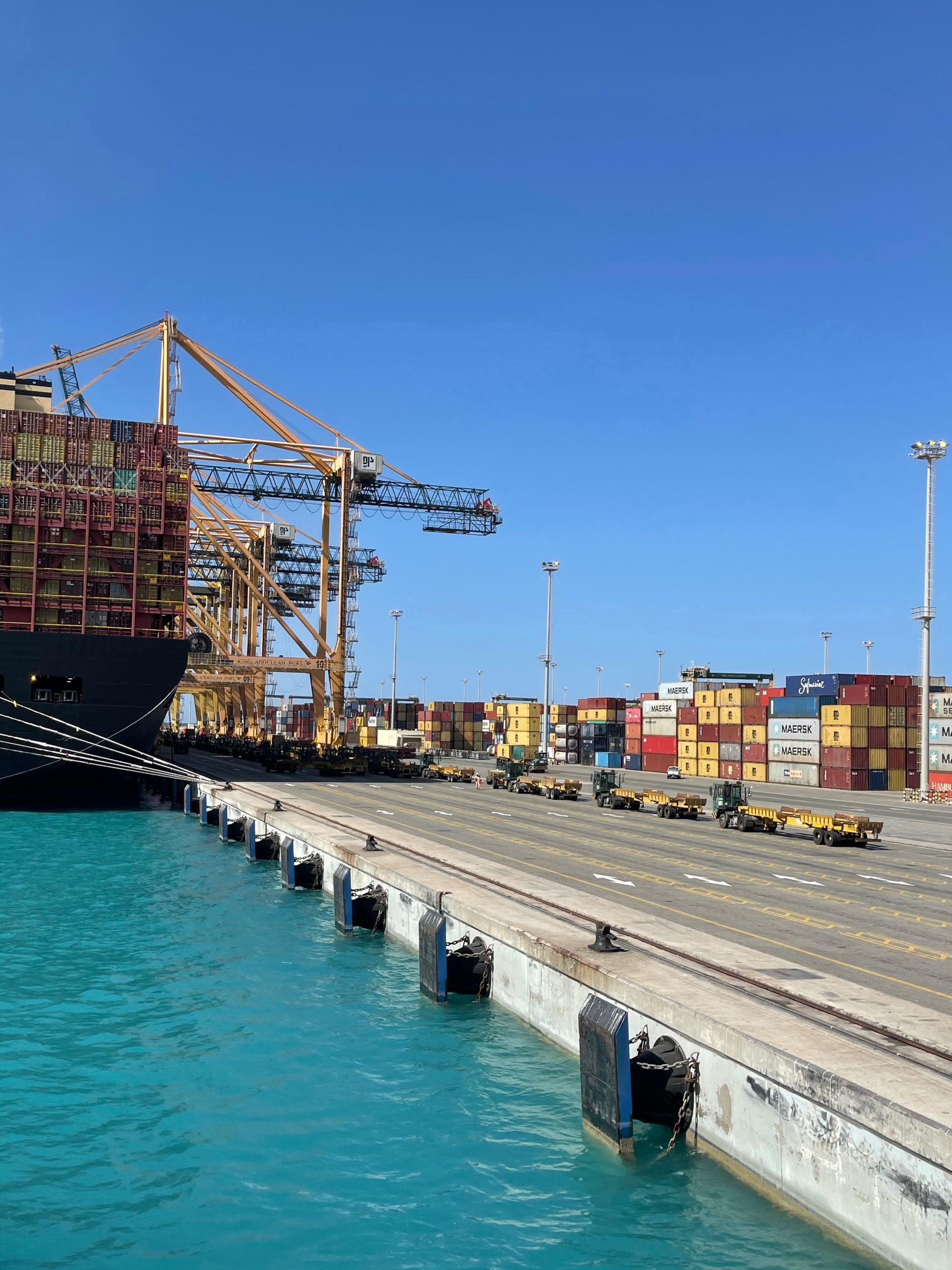 البنك الدولي: ميناء الملك عبدالله ثاني أكثر موانئ الحاويات كفاءة في العالم